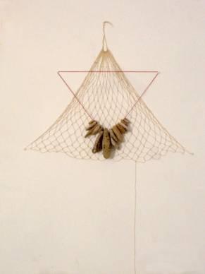 net-and-hag-stones: cotton, hag stones